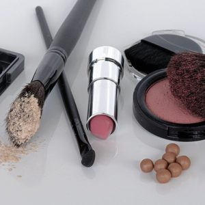 essential-beauty-cosmetics-products-care-tips