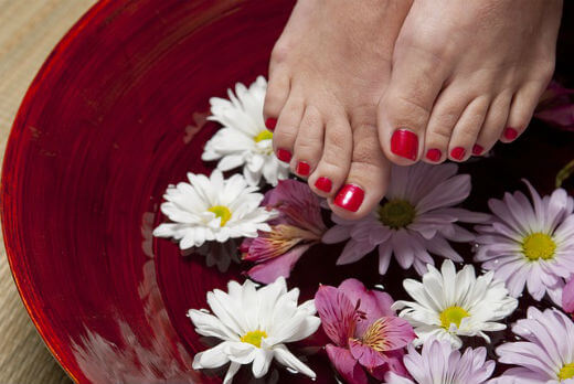pedicure at home in hindi