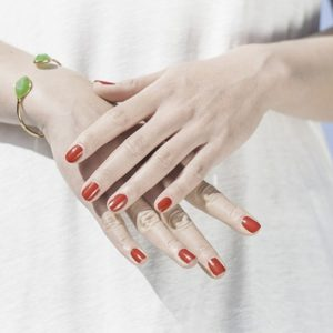 हाथों को गोरा बनाने hatho ko gora karne ke gharelu nuskhe in hindi