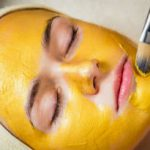 Turmeric haldi face pack at home in hindi 12 हल्दी फेस पैक : चमकता चेहरा और बेदाग त्वचा के लिए