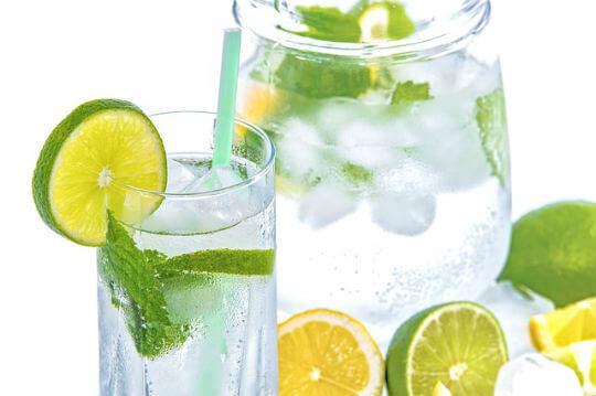 nimbu pani pene k fayde नींबू पानी पीने के फायदे और 4 टॉनिक बनाने की विधि