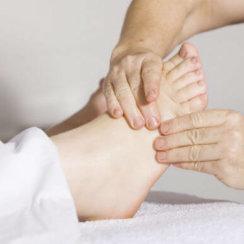 Foot care tips in diabetes hindi जानिए डायबिटीज में पैरों की देखभाल के टिप्स
