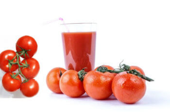 tamatar ke juice ke labh fayde skin k liye टमाटर के जूस के फायदे तथा स्किन और चेहरे के लिए टमाटर के गुण