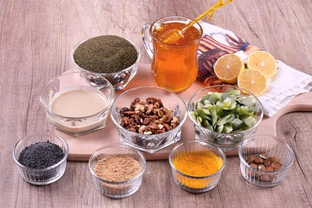 desi ayurvedic gharelu nuskhe upchar bataye घरेलू उपचार के नुस्खे : फर्स्ट ऐड के लिए आसान उपाय