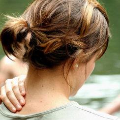 गर्दन दर्द के कारण, उपचार तथा इससे बचाव की जानकारी gardan dard karan bachav upay