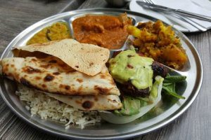 जानिए किस मौसम में कैसी होनी चाहिए आपकी डाइट? ritu mausam ke anusar bhojan aahar जानिए किस ऋतु में क्या खाएँ : मौसम के अनुसार भोजन
