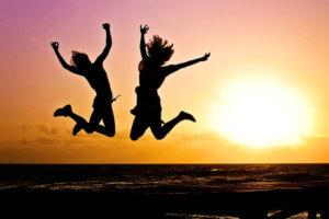 खुश लोगों की स्वस्थ आदतें खुश रहने के तरीके : हमेशा खुश रहने और सकारात्मक सोच के उपाय khush rahne ke tarike tips mantra