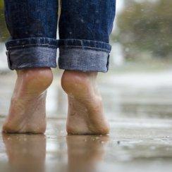 मानसून (बरसात) के मौसम में ऐसे रखें अपनी सेहत का ख्याल monsoon me bimari se bachav sahi khana